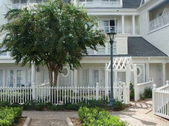 Disney's BoardWalk Inn: Garden Cottage