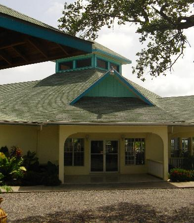 Turquoise Bay Dive Beach Resort Restaraunt