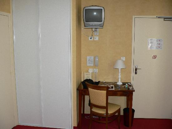 Hotel du Chateau : Room