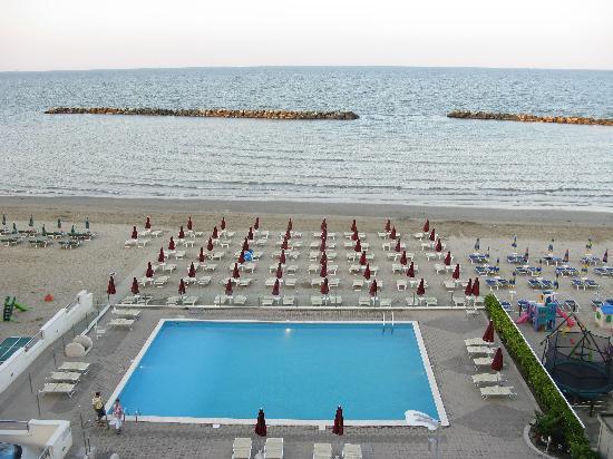 Hotel classic lido di savio province of ravenna prezzi for Hotel asiago con piscina