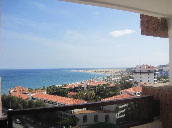 Corona Roja - Playa del Ingles: view from balcony