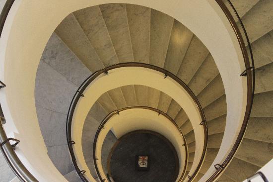 Best Western Premier Hotel Santu0027Elena: Hotel Santu0027 Elena Spiral Staircase