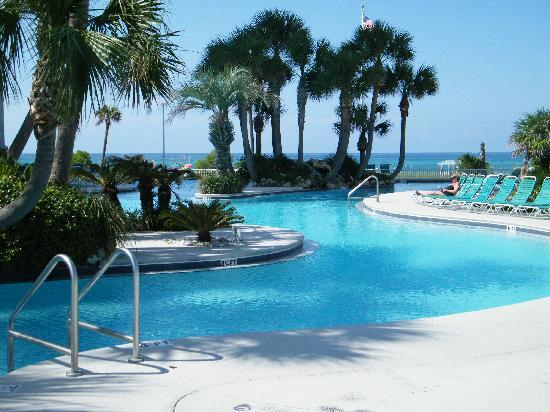 Long Beach Resort: lagoon pool