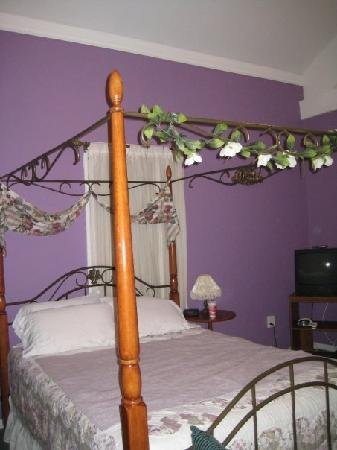 Lake George Bed and Breakfast: Room 2