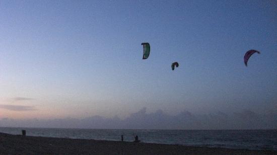 Kite Beach Hotel: Late night sesson