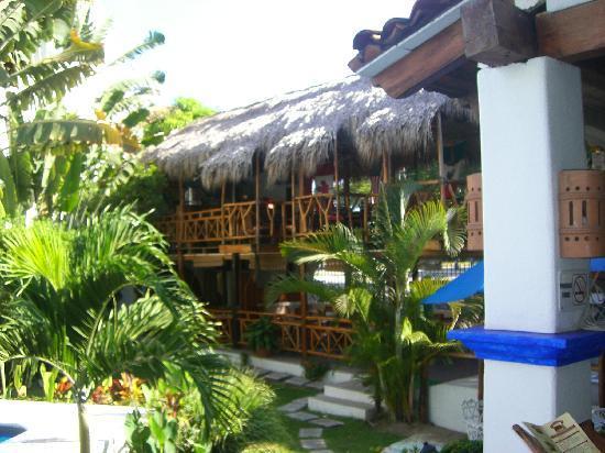 Best Western Posada Chahue: Back hotel...