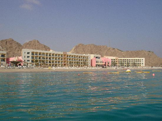 Radisson Blu Resort Fujairah: The hotel - view from Dibba Rock