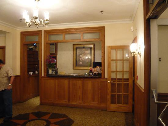 Hotel Deauville: ホテル フロント