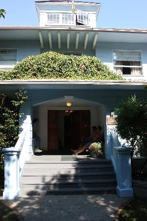 Nelson House B & B: front porch