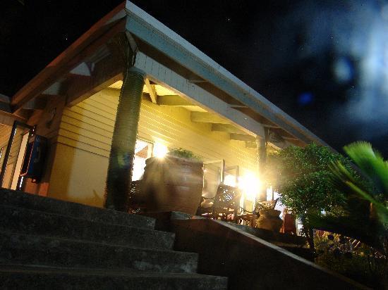 Puataukanave International Hotel : Restaurant