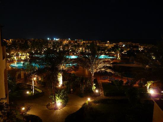 Jaz Lamaya Resort: The Pool Area in the evening