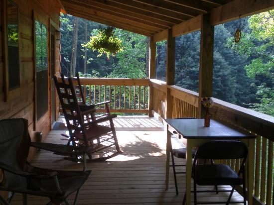 Dancing Sun Cabins: The large porch