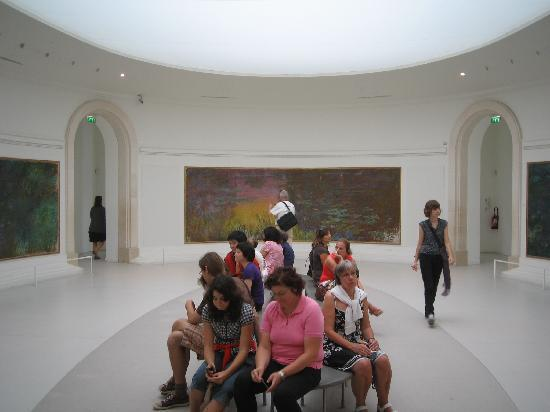 มูซีเดอออแรงเจอรี: The room with Monet's Water Lilies