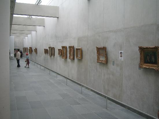 มูซีเดอออแรงเจอรี: Area of displays