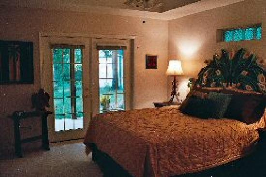 Plum Pond Bed & Breakfast of East Texas