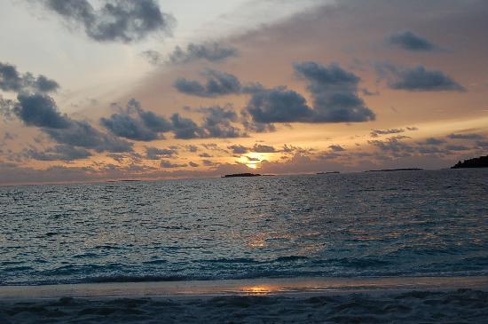 รีธิ บีช รีสอร์ท: another sunset