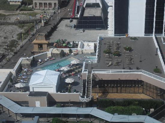 The pool at the ceasars picture of caesars atlantic city for Pool show atlantic city