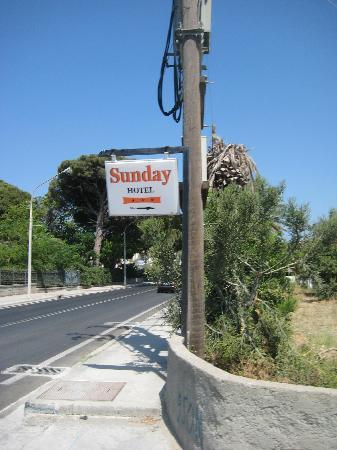 Sunday Hotel: the sign demonstrates the quality