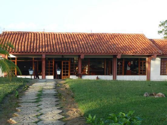 Villa Cayo Saetia: La reception e il ristorante dell'hotel