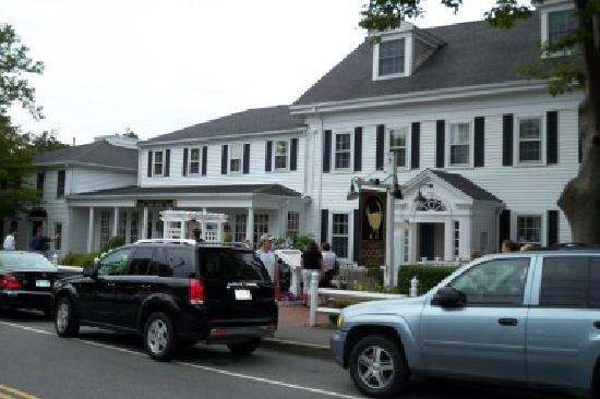 The Chatham Wayside Inn: The front of the Wayside Inn in Chatham