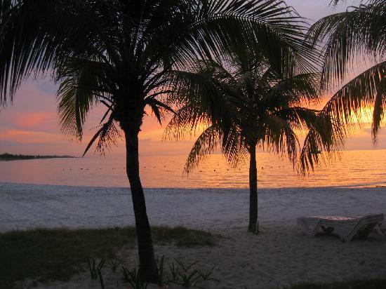 Paradisus Varadero Resort & Spa: sunset Hotel beach
