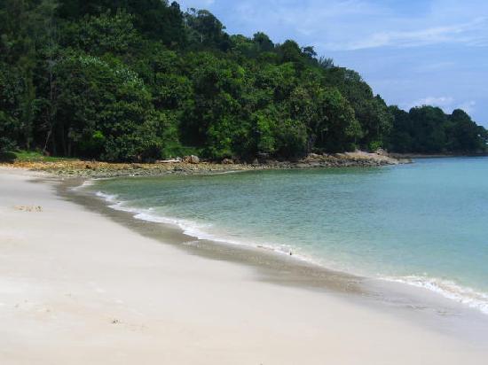 Pasir Tengkorak Beach: The main beach (take from the opposite side)