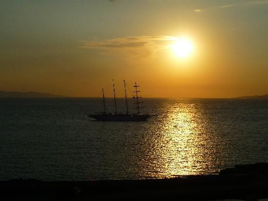 Omiros Hotel: Puesta de sol