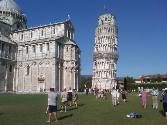 Walkabout Florence Tours: the leaning tower of Pisa