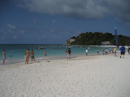 Pineapple Beach Club Antigua: Games on the beach