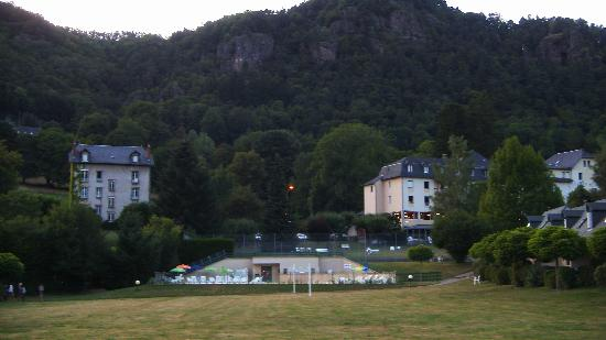 Vic-sur-Cere, Frankrike: hotel family