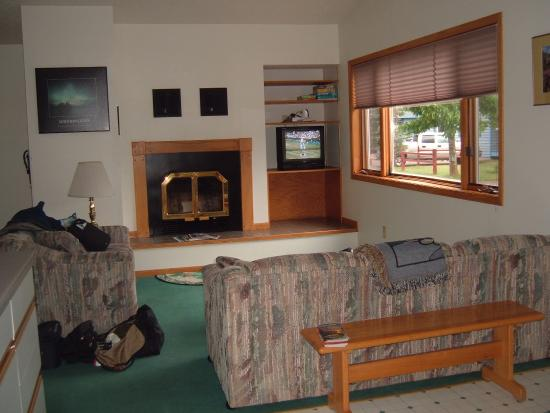 Mountain View Lodges: tv lounge area