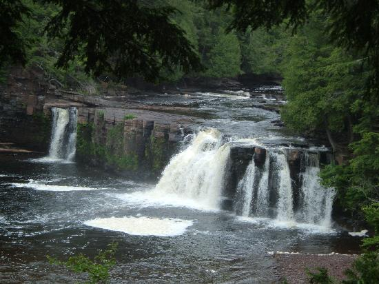 Porcupine Mountains Wilderness State Park: Manabezho Falls (presque isle river)