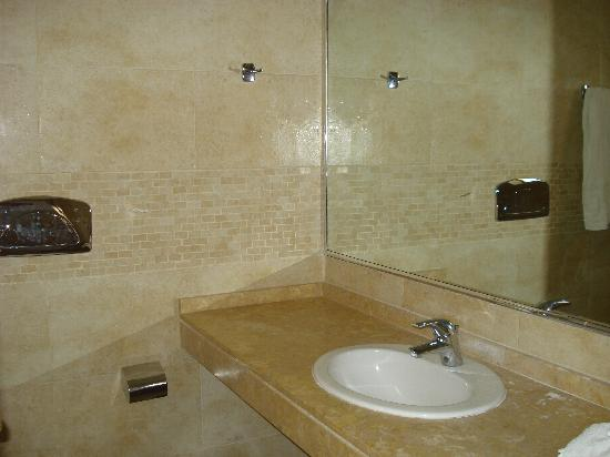 Pefkos Blue: Bathroom block 3