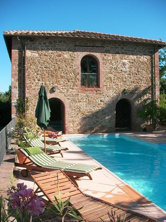 Hotel Villa La Grotta : The pool with its beautiful view