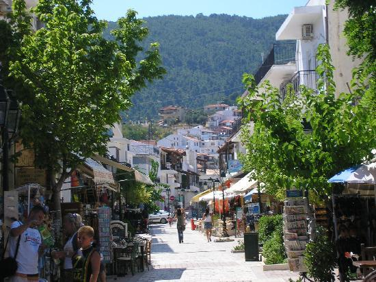 Skiathos, Greece: Papadiamantis Street