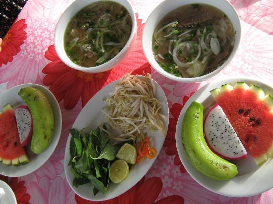 Elegant Inn: Vietnamese Breakfast