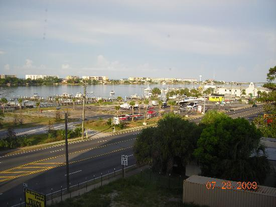 La Quinta Inn & Suites Fort Walton Beach: Looking out the window