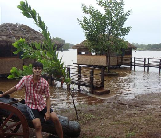 Pooja Farms : aqua cottages