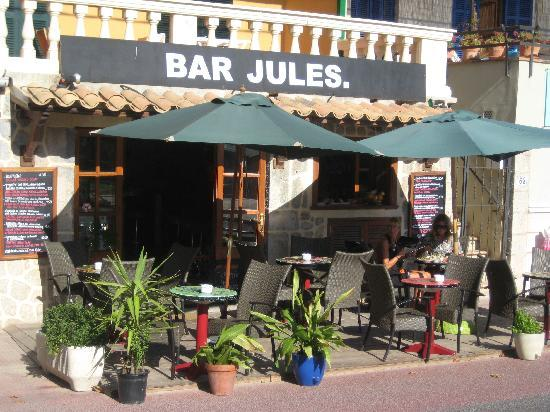 Bar Jules : Great place for food & drinks