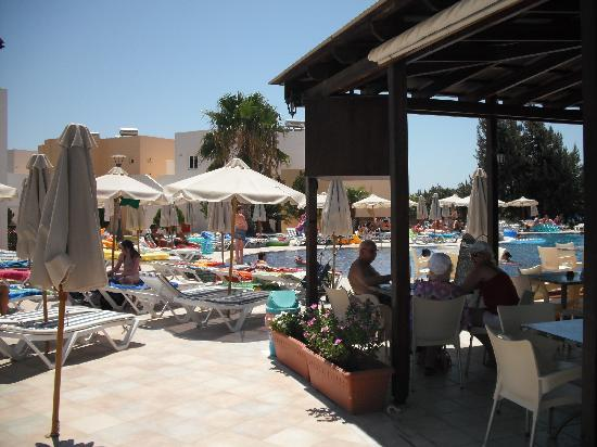 Matina Pefkos Aparthotel: First Pool and Bar