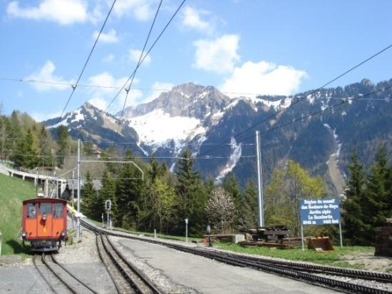 GoldenPass Line : Tourist mountain train from Montreux to Rochers-de-Naye 6400 feet up in the Alps