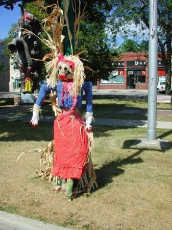 Delavan, Ουισκόνσιν: Scarecrow in the park.