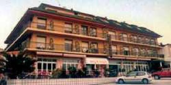 Hotel Arillo: fachada hotel