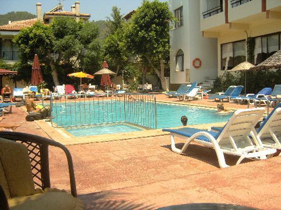 Hotel Juniper: Main pool