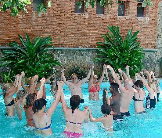 โรงแรมรอยัล ปาล์ม บีช: Aqua-aerobics