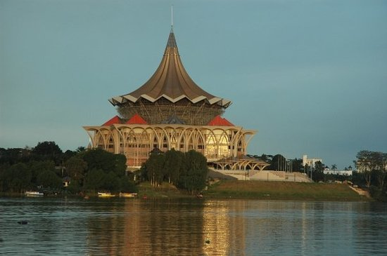 Kuching, Maleisië: New parliament being constructed
