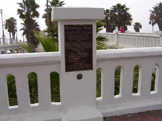 Oceanside Pier: The sign