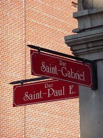 Old Montreal Walking Tour Photo