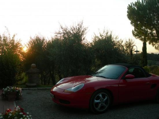 Castelfiorentino, Italia: Car park on the hill