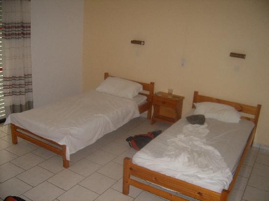 Manolis Studios : Bedroom